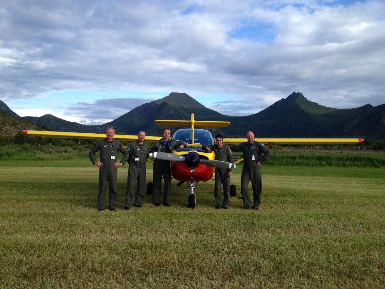Luftforsvarets Saab Safari med instruktører
